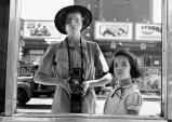 [Opinion] 비비안 마이어를 찾아서: 유모 혹은 사진작가? [다큐멘터리]