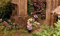 [이야기의 이야기] 정원에서 일어나는 일