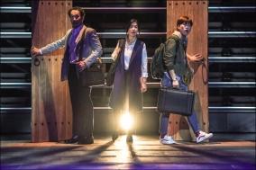 [Review] 귀 기울여주세요, 몰락의 소리에 : 연극