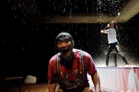 [PRESS] 일상을 침투하는 악의 평범함, 연극 '빌미'