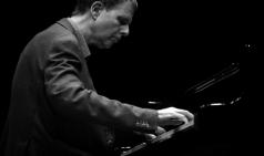 [PRESS] 전도된 숭고함을 만나는 케빈 케너 피아노 리사이틀 : HUMORESQUES