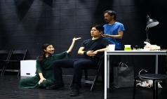 "[Preview] 익숙하면서도 새로운 '단막극 햄릿' - ""햄릿, 죽은 자는 말이 없다"""