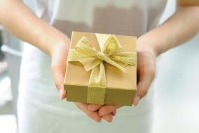 [소심한 고백] #프롤로그. 선물상자 이야기