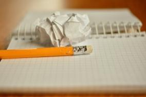 [에세이] 글쓰기의 기쁨과 슬픔