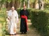 "[Opinion] 영화 ""두 교황"", 한 치 앞을 모르는 생 앞에서"