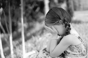 [안녕, 눈사람] 슬퍼하라, 그대의 슬픔이 흘러 넘칠 때까지