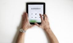 [에세이] 언택트와 디지털 - 온라인으로 넘어가는 세상