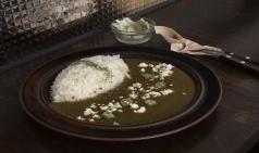 [Opinion] '미식(美食)'을 돕는 식당들 : 카레와 치킨 버거 [공간]