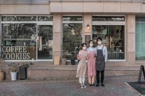 [Opinion] 마을 꼭대기 개인 카페가 사람들에게 사랑받는 법 [공간]