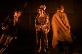 [Review] 연극 다운 연극, 그 안에서 피어오른 공존 - 태양