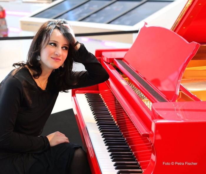 [사진] Pianist Nino Gurevich_3.JPG