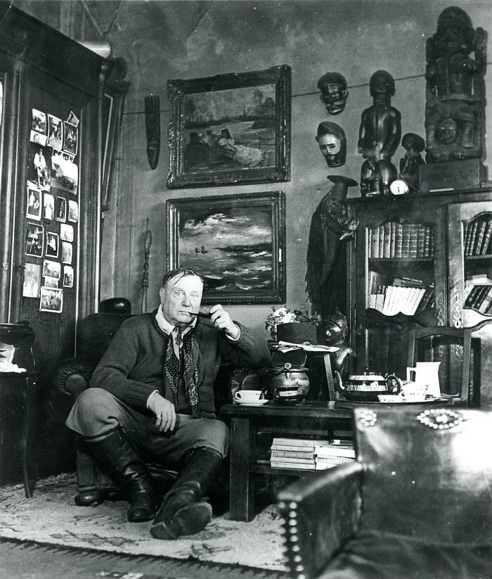 27 - Vlaminck dans son atelier de La Tourilliere vers 1948-50 (dans les annees 1940).jpg