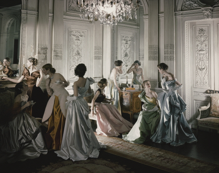 Cecil Beaton_Charles James gowns French & Company, 1948_ⓒ Conde Nast Archive.jpg