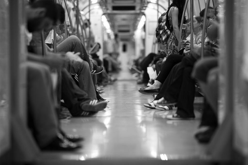 train-2373323_960_720.jpg