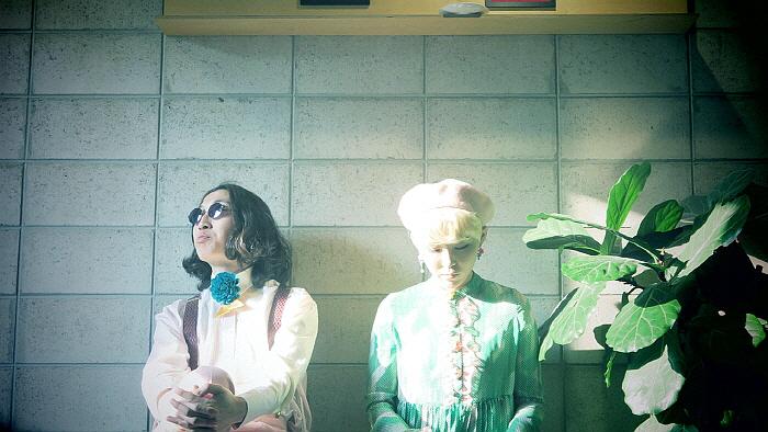 신현희와 김루트.jpg