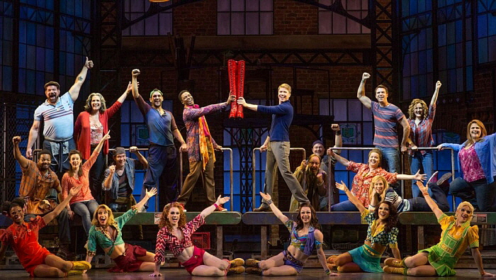 kinky_boots_tour_production_still.jpg