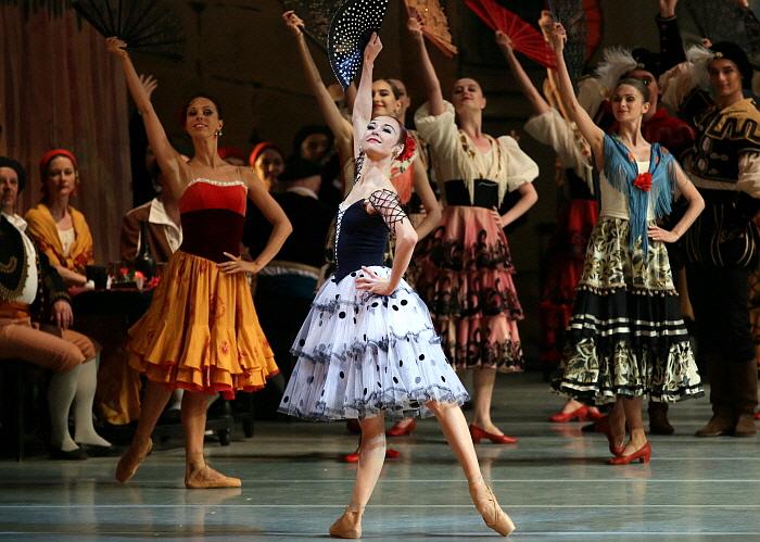 Elena Yevseyeva in Don Qixote_by Natasha Razina ⓒ State Academic Mariinsky Theatre  (2).JPG