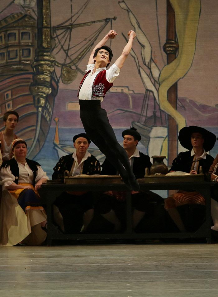 Kimin Kim in Don Quixote by Natasha Razina ⓒ State Academic Mariinsky Theatre (2).JPG