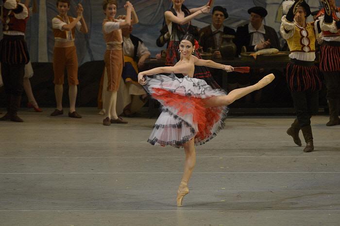 Viktoria Tereshkina in Don Quixote by Valentin Baranovsky ⓒ State Academic Mariinsky Theatre (4).JPG