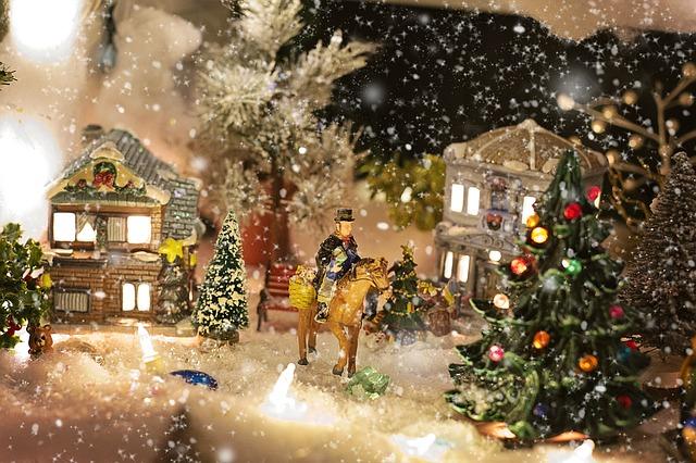 christmas-village-1088139_640.jpg