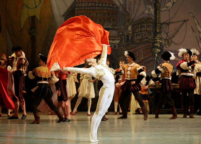 Alexander Sergeev in Don Qixote_by Natasha Razina ⓒ State Academic Mariinsky Theatre (3).jpg