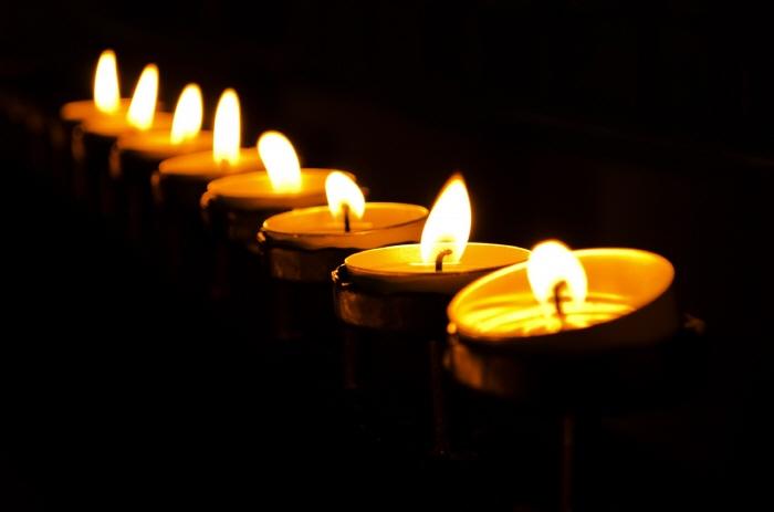 candles-1365440526ChI.jpg
