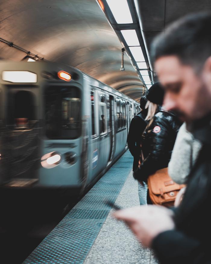 blurry-commuter-man-2216496.jpg