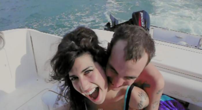 [크기변환]Amy-Winehouse.png