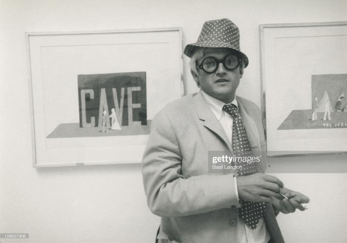 [크기변환]david hockney at kasmin gallery 1966.jpg