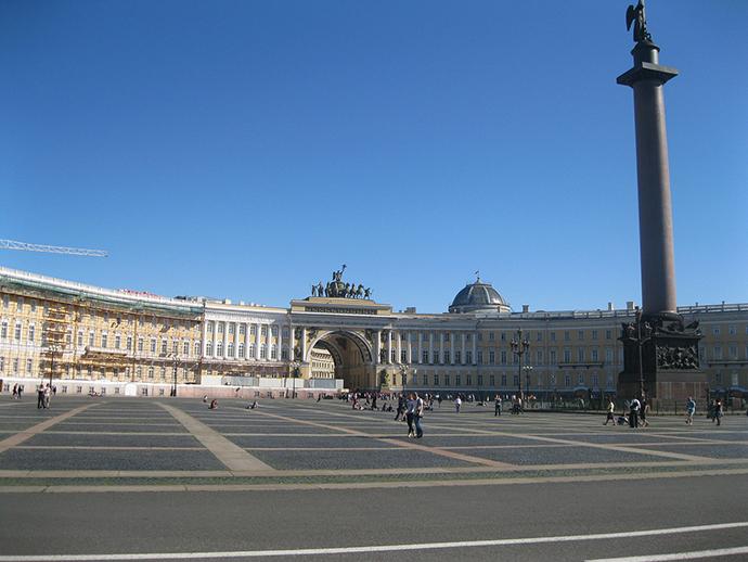 hermitage-palace-square-352581_1280.jpg