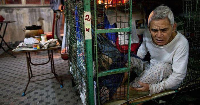 inside-hong-kong-shocking-cage-homes-3.jpg
