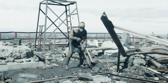 [크기변환]Chernobyl-Episode-4-Rooftop.jpg