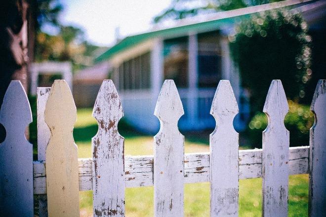 picket-fences-349713_1280.jpg