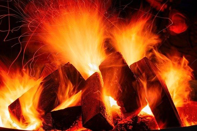 open-fire-3879031_640.jpg