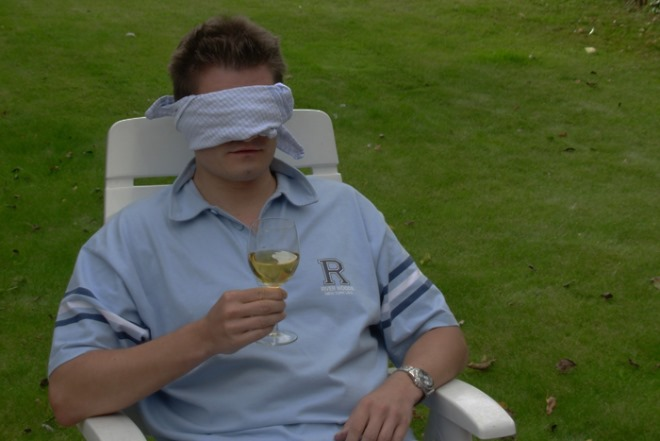 wine_blindfold_tests_people-1113373.jpg