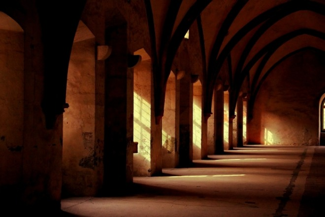[크기변환]monastery-569368_1920.jpg