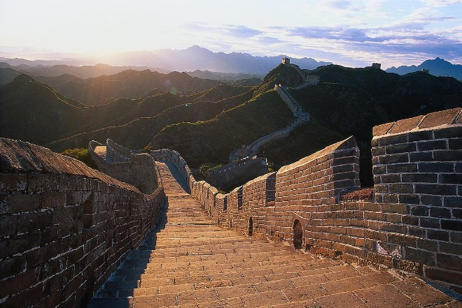 1200px-The_Great_wall_-_by_Hao_Wei.jpg