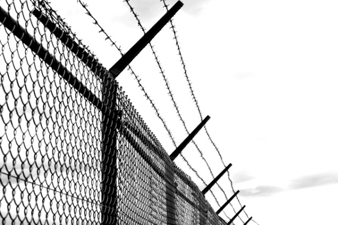 [크기변환]barbed-wire-1589178_1280.jpg