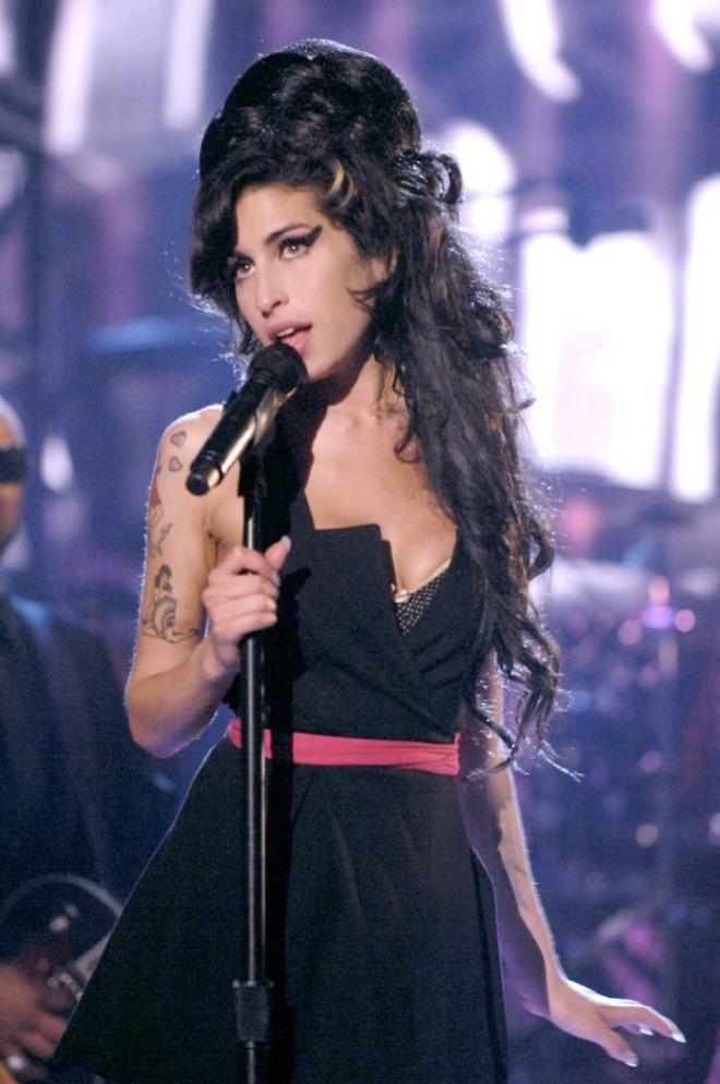 [크기변환]Best-Amy-Winehouse-Pictures.jpg