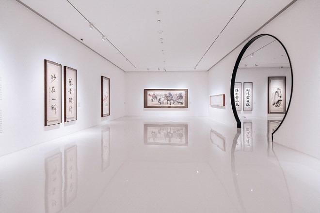 [꾸미기][크기변환]art-gallery-5067113_1920.jpg
