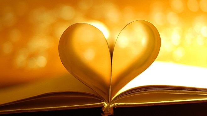 Book-love-heart-warm-style_2560x1440.jpg