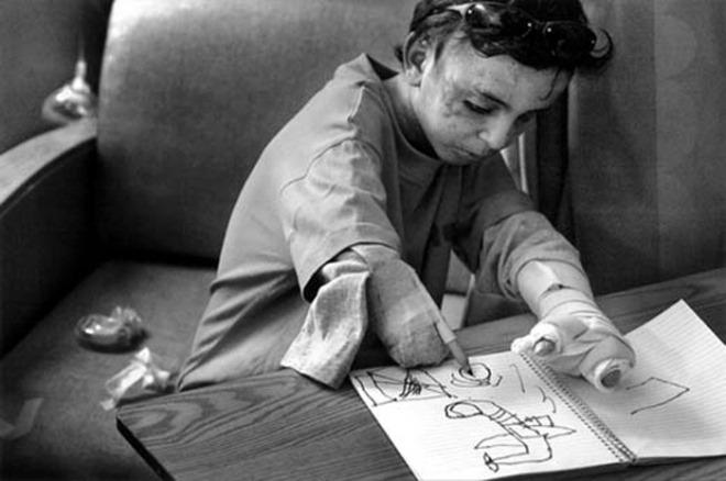 [크기변환]사자의 심장을 가진 아이(이라크전쟁).jpg