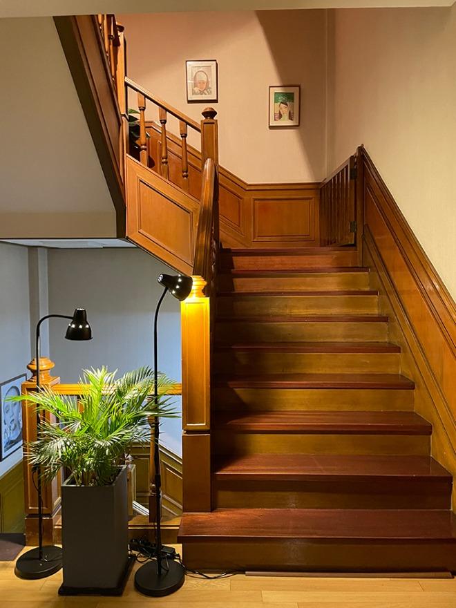 2층계단.jpg