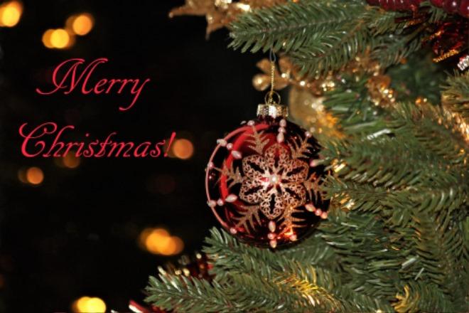 merry-christmas-ornament-and-bokeh.jpg