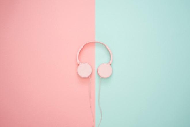 headphones-3435888_1280.jpg