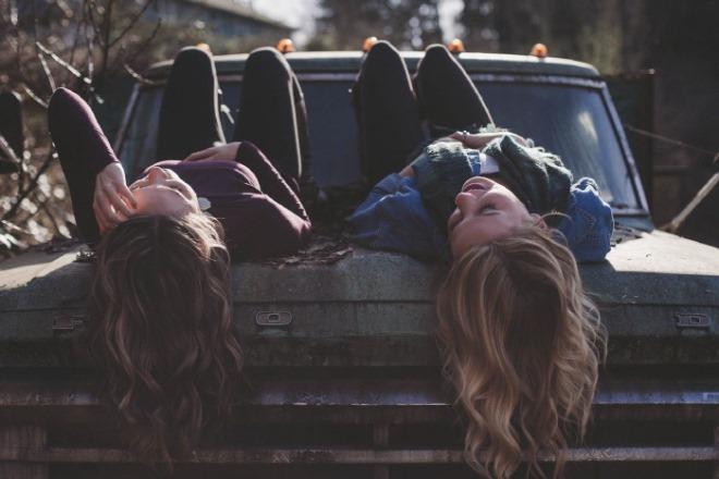 girls-1209321_1280.jpg