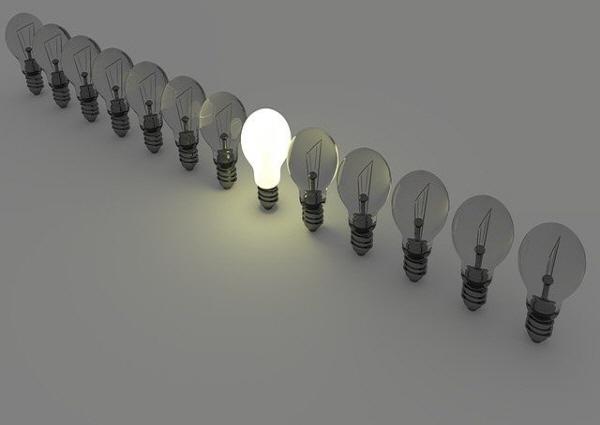 [크기변환]light-bulbs-1125016_640.jpg