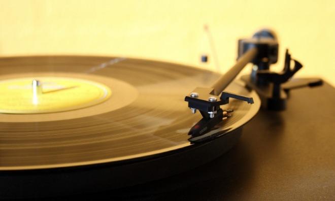 s-record-player-1224409_1920.jpg