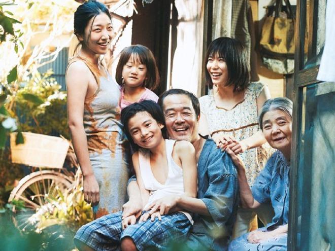 어느가족사진700.jpg