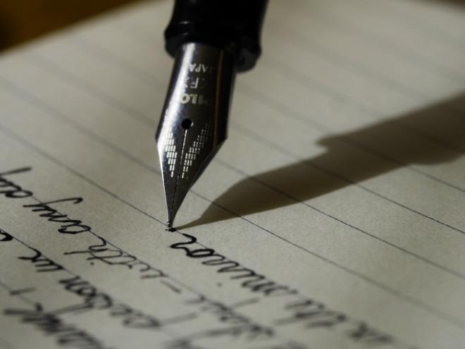 [크기변환]writing-1209121_1920.jpg